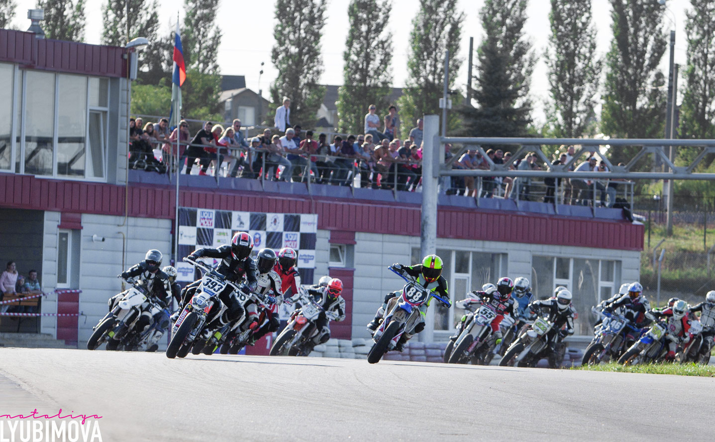 Чемпионат Супермото: Яркое выступление атлетов Яхнич Моторспорт в Курске!